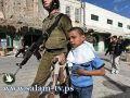 """إسرائيل تلاحق الأطفال الفلسطينيين وتشن حملة إعتقالات ضدهم والحجه """"رجم الحجارة"""""""