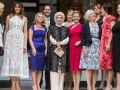 كثيرون تساءلوا من هو الرجل الذي انضم إلى صورة تجمع زوجات زعماء العالم؟