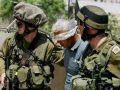 قوات الاحتلال تعتقل مواطناً من بلدة يطا جنوب الخليل
