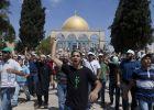 قيود وإجراءات مشددة ودعوات للنفير العام في المسجد الأفصى