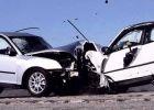 اصابتان جراء تصادم مركبتين في البيرة