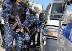 الشرطة والأجهزة الأمنية تقبضان على مطلوبين للعدالة في عدة قضايا جنائيه في سلفيت