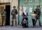 اسرائيل تبلغ السلطة موافقتها على تسجيل وتغيير عناوين لحوالي 4000 فلسطيني في الضفة وغزة