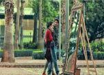 بالفيديو : مرآة عملاقة تغازل النساء فى الشوارع