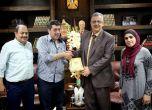 نادي ثقافي طولكرم يكرم المحافظ عصام أبو بكر