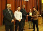 تكريم لائق للطلبة الفائزين في المشاريع الريادية في جامعة خضو ...