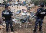 إصابة 3 من عناصر الشرطة دهسا بمركبة غير قانونية شرق طولكرم