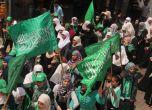 مسيرة لحركة حماس في طولكرم دعما للمقاومة الفلسطينية في غزه - ...