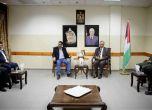 محافظ طولكرم عصام أبو بكر يستقبل رئيس تحرير شبكة معاً
