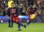 رباعية سواريز وثلاثية ميسي تضع قدما لبرشلونة في النهائي