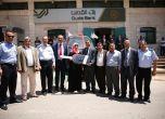 بنك القدس يسلم الفائزتين من طوباس سيارة أوبل كورسا2015 والفا ...