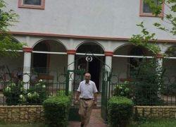 فلسطيني يبني أربعة مساجد في رومانيا