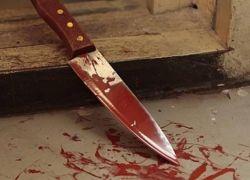 اردني يرتكب جريمة مروعة بقتل أمه بأكثر من 35 طعنه بالسكين