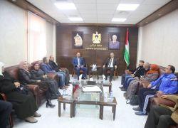 محافظ أبو بكر يلتقي وفداً من الإتحاد العام للمعلمين فرع طولكرم