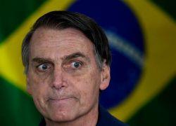 رئيس البرازيل يقترح التقليل من دخول الحمام لحماية البيئة !