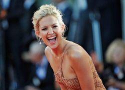 دراسة جديده : النساء العازبات اكثر سعادة من الرجال العازبين