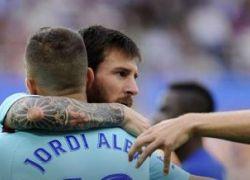 ميسي يقود برشلونة للإنتصار على الافيس