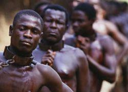تعرفوا على خبايا التجارة بالبشر.. من قال إن زمن العبيد انتهى؟!
