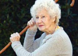 مسنة أمريكية في الـ92 تقتل ابنها حتى لا ينقلها إلى دار للرعاية
