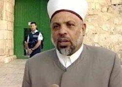 قوات الاحتلال تعتقل قاضي قضاة فلسطين الشيخ تيسير التميمي