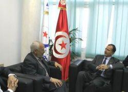 وفد تونسي رفيع المستوي يضم 12 وزيرا تونسيا يصل قطاع غزة