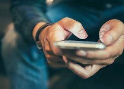 الهواتف المحمولة تسبب إصابات في الرأس والعنق والوجه بشكل متزايد