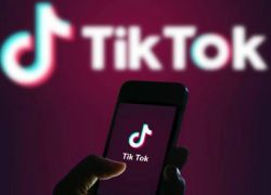 """مختص نفسي : تطبيق """"تيك توك"""" يدمر أبناءنا"""
