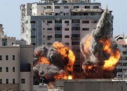طائرات الاحتلال تجدد قصفها لغزة بعد ليلة طويلة من الغارات