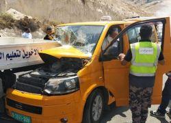 3 اصابات بينها بالغة بحادث سير على طريق واد النار