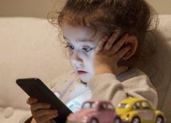 التكنولوجيا والأطفال... هكذا تتأثر قدراتهم العقلية!