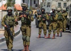 بالاسماء -مداهمات واعتقالات في محافظات الضفة
