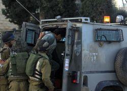قوات الاحتلال تعتقل 3 مواطنين من طولكرم