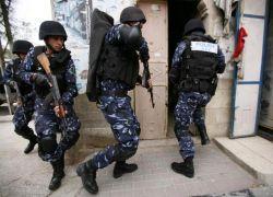 الشرطة الفلسطينية : القبض على أخطر مطلوب بنابلس