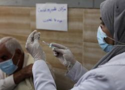 وزيرة الصحة تعلن عن تطعيم أكثر من 12500 كادر تعليمي في الضفة الغربية