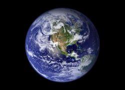 """قد يصطدم بالأرض ...العلماء يراقبون """"الكويكب الخطر"""""""
