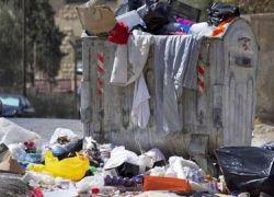 سيدة أردنية تلقي ابنيها في حاوية قمامة وتلوذ بالفرار