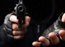 شاهد- سطو مسلح على محطة محروقات في يطا