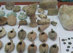 الشرطة تضبط 28 قطعة معدنية يشتبه انها اثرية في اريحا