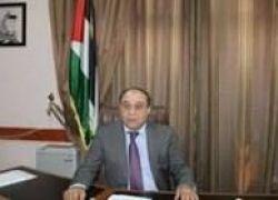 """الاحتلال يصادر """"مسدس"""" بحوزة محافظ جنين"""