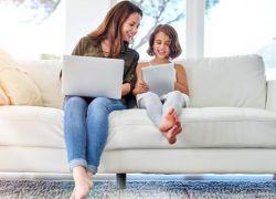 """هل محاولة حماية الأطفال من الإنترنت """"غير مجدية""""؟"""