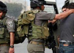 اعتقال شاب على حاجز عسكري بالخليل بزعم حيازته سكيناً