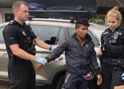 مصري يصل إلى بريطانيا مختبئاً في صندوق