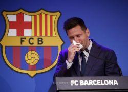 ميسي باكيا: لم أتخيل الوداع بهذه الطريقة.. وسأعود لبرشلونة يوما ما