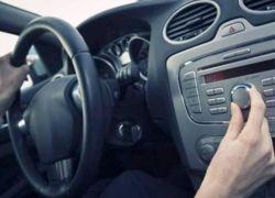 دراسة جديدة : الاستماع للموسيقى أثناء القيادة يفيد القلب