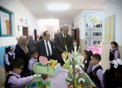 محافظ طولكرم عصام أبو بكر يزور مدارس الإسراء النموذجية ورياضها