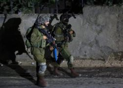 الاحتلال يعتقل مواطنا من مخيم طولكرم