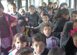 ضبط حافلة تقل 30 طفلاً زيادة على حمولتها في الخليل