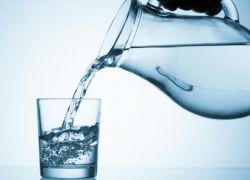 10 فوائد مذهلة لشرب الماء الدافئ يوميا!