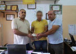 عامل نظافة يعيد مبلغ 100 ألف شيقل لصاحبه بعد العثور عليه أثناء تأدية عمله في غزة
