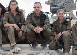 معاقبة ضابط إسرائيلي ومجنّدات لاستغراقهن في النوم أثناء التدريب